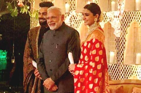 modi-with-virushka
